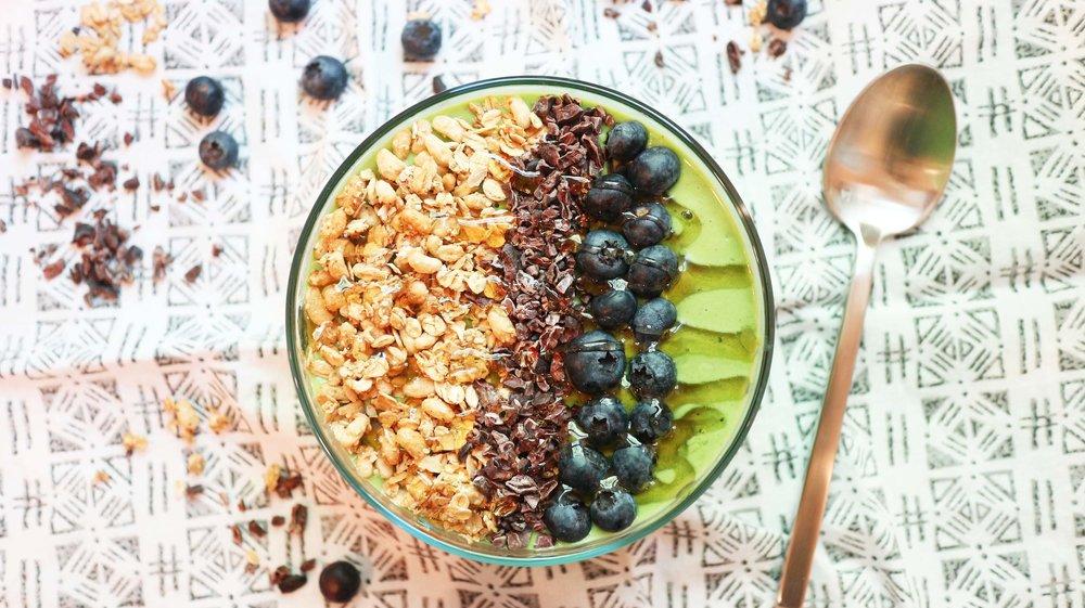 kale smoothie bowl 2.jpg