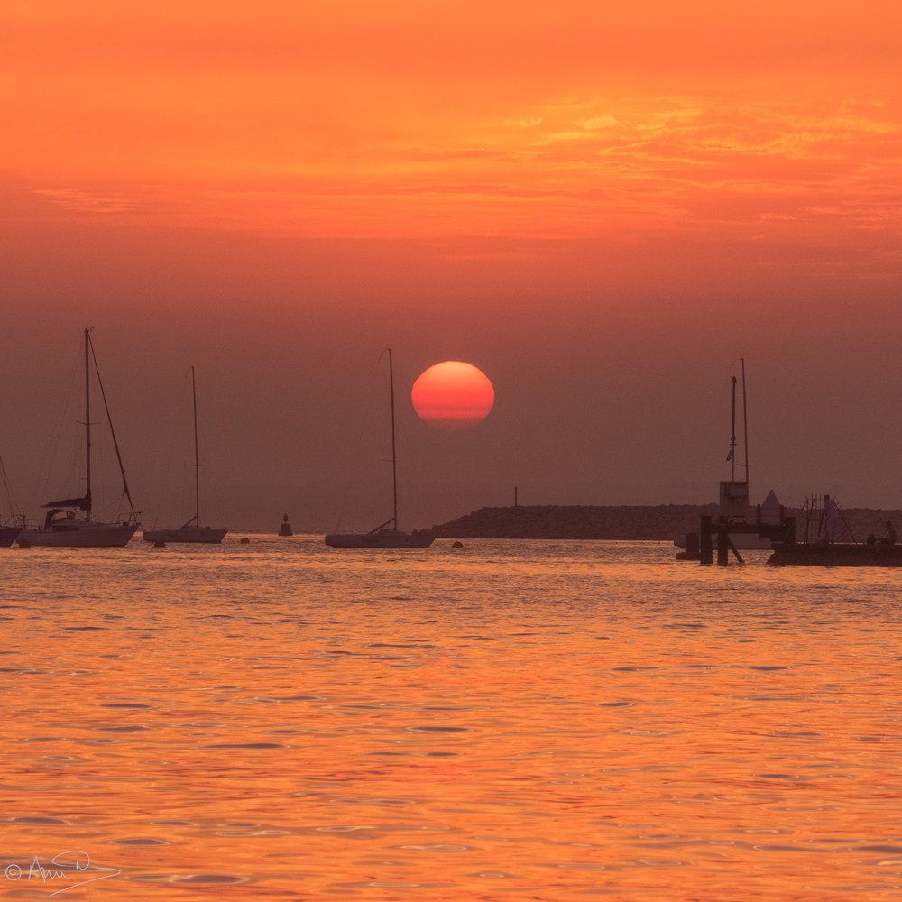 Red Sunset EC