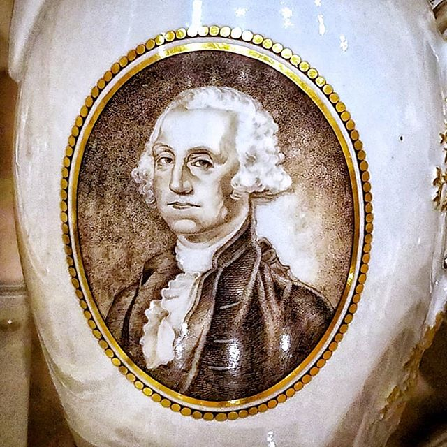 I am genuinely disappointed that this glorious teapot portrait of George Washington has been relegated to open storage at The Met. . . @metmuseum #georgewashington #art #americanart #portrait #historicalportrait #badportraits #teapot #teapots #metmuseum #president #presidentialportrait #famousportraits #museum #museums
