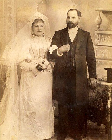 When it comes to Jewish genealogy, what are realistic expectations? What discoveries can you make, and what records are available? Check out today's blog post (link in profile) for a primer. . The couple in this photo, Solomon and Cecilia, were photographed at a studio on Canal Street in New York City. Solomon's ancestry can be traced back to 18th-century Lithuania! . . #jewish #genealogy #jewishgenealogy #jewishgen #familyhistory #wedding #oldphotos #oldweddingphoto #jewishwedding #vintagewedding #oldfamilyphotos