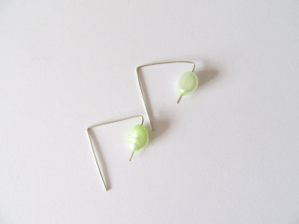 Green_rice_pearl_earrings026.jpg