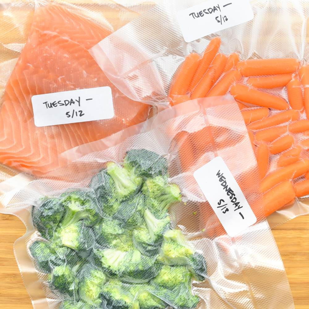 MEAL PREP MADE EASY   Marinade ingredients together to create savory ready-to-cook meals, or portion out cooked foods to help better balance your healthy eating habits.