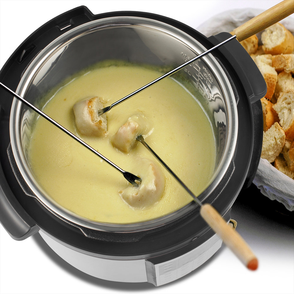 Gather Around   Create a family style.Hot Pot ideal for fondue that everyone can enjoy at dinner parties and special get-togethers. Hit the Pasta/Boil function to cook pasta al dente, or Sauté/Brown to pan-fry or simmer foods inside.