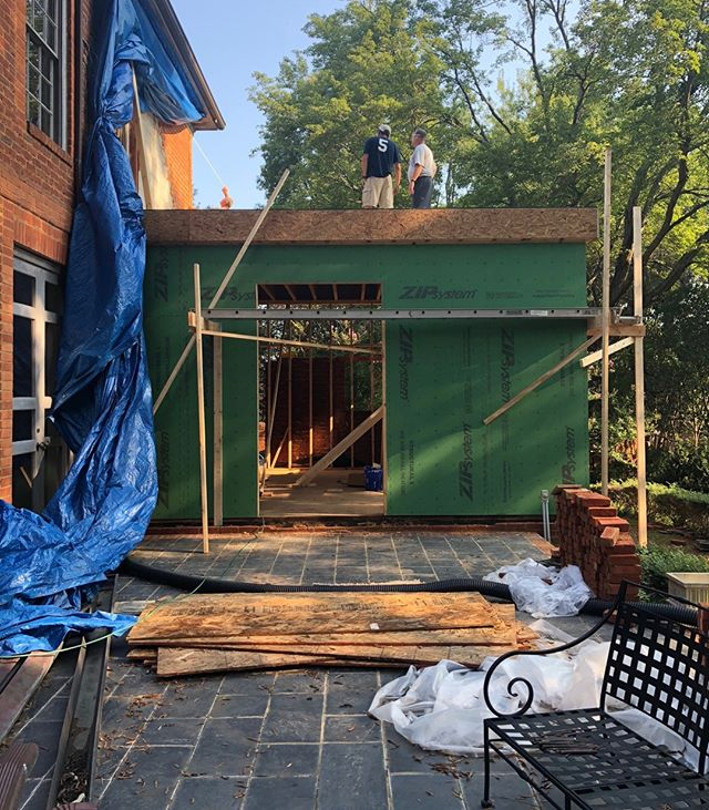 Things are moving along on this renovation with the second floor underway and the kitchen design approved!  Let the construction dance continue...💃🔨 --- . . . #construction #underconstruction #addition #progressshot #exteriordesign #architecture #constructionlife #interiordesign #designer #interiors #home #homedesign #interiordesigner #designlife #belladesign #richmond #RVA #804 #renovation #redesign #remodel #homerenovation