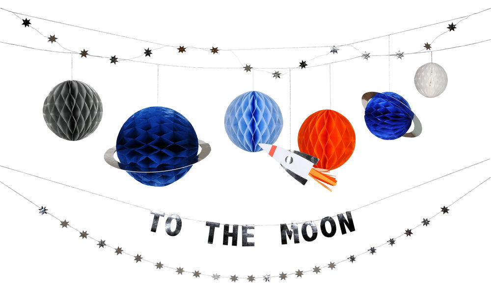 MM to the moon garland.jpg