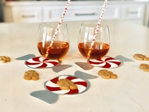 We love these  peppermint napkins …..perfect for holiday cookies or cocktails!