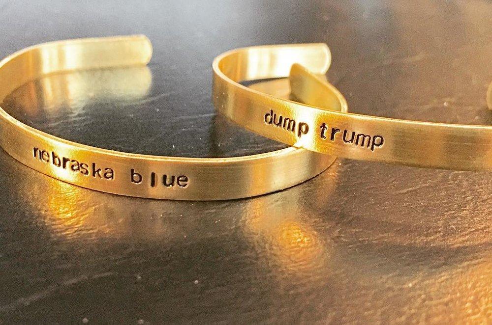 Dump Trump bracelets.jpg