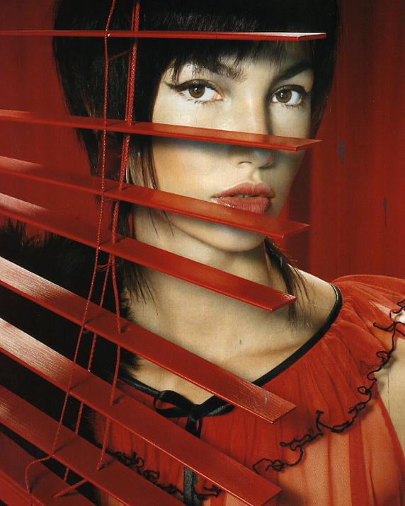 Vogue Italia : 2004 : Photographer : Miles Alridge