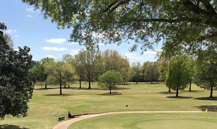 A serene, scenic view at the Huntsville Country Club.