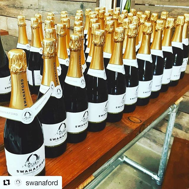 #Repost @swanaford (@get_repost) ・・・ Labelling our newly released 2016 in preparation for Christmas orders. Get yours in now. 🎄 #christmasdrinks #madeindevon #englishsparkingwine