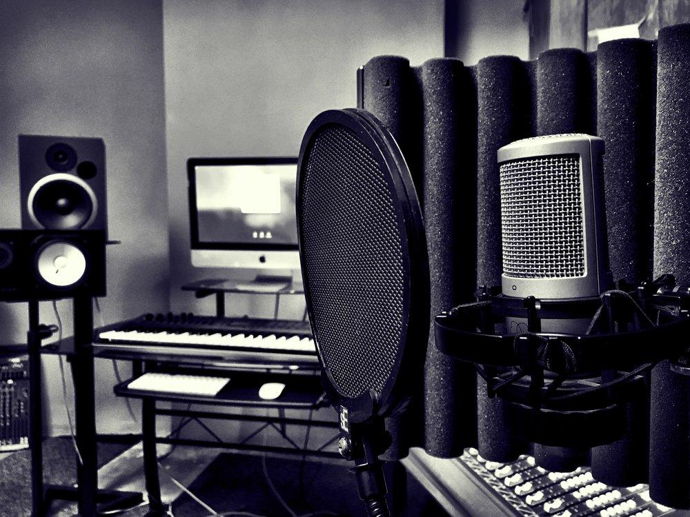artist-in-studio.jpg