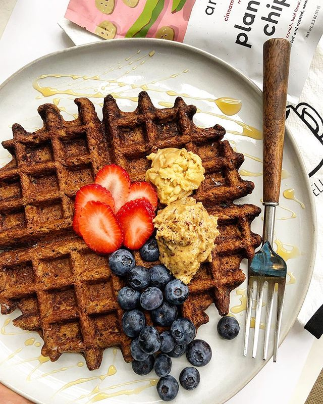 Last week of March, Amazi fam - we've gotta fuel it right! Whip yourself up a batch of these power-packed paleo Plantain Waffles by none other than @marissaswholelife 😍  Ingredients: 1/2 C of Amazi Cinnamon Plantains, Crushed **order in bulk on our site. SPRING SALE PRICE IS UP!** 1/4 C of Almond Flour 1 Egg 1 tsp of Cinnamon  1 tsp of Baking Powder 1/4 C of Water 1 tsp of Vanilla Extract 2 Tbsps of Flaxseed Directions —  Mix all ingredients together and pour into a Belgian waffle maker!! Topped with Berries, @eatnuttzo and @parkersrealmaple butter for best results  Have a kickass Monday y'all!
