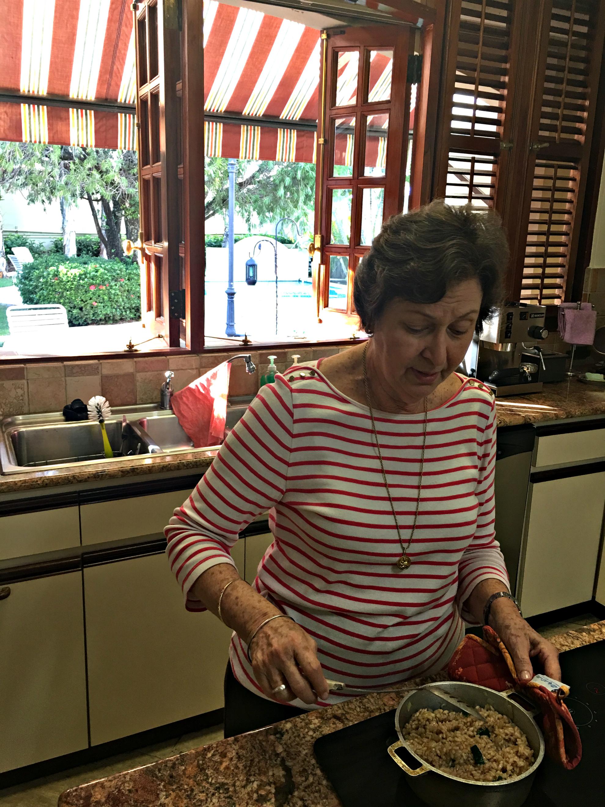 Aita making arroz
