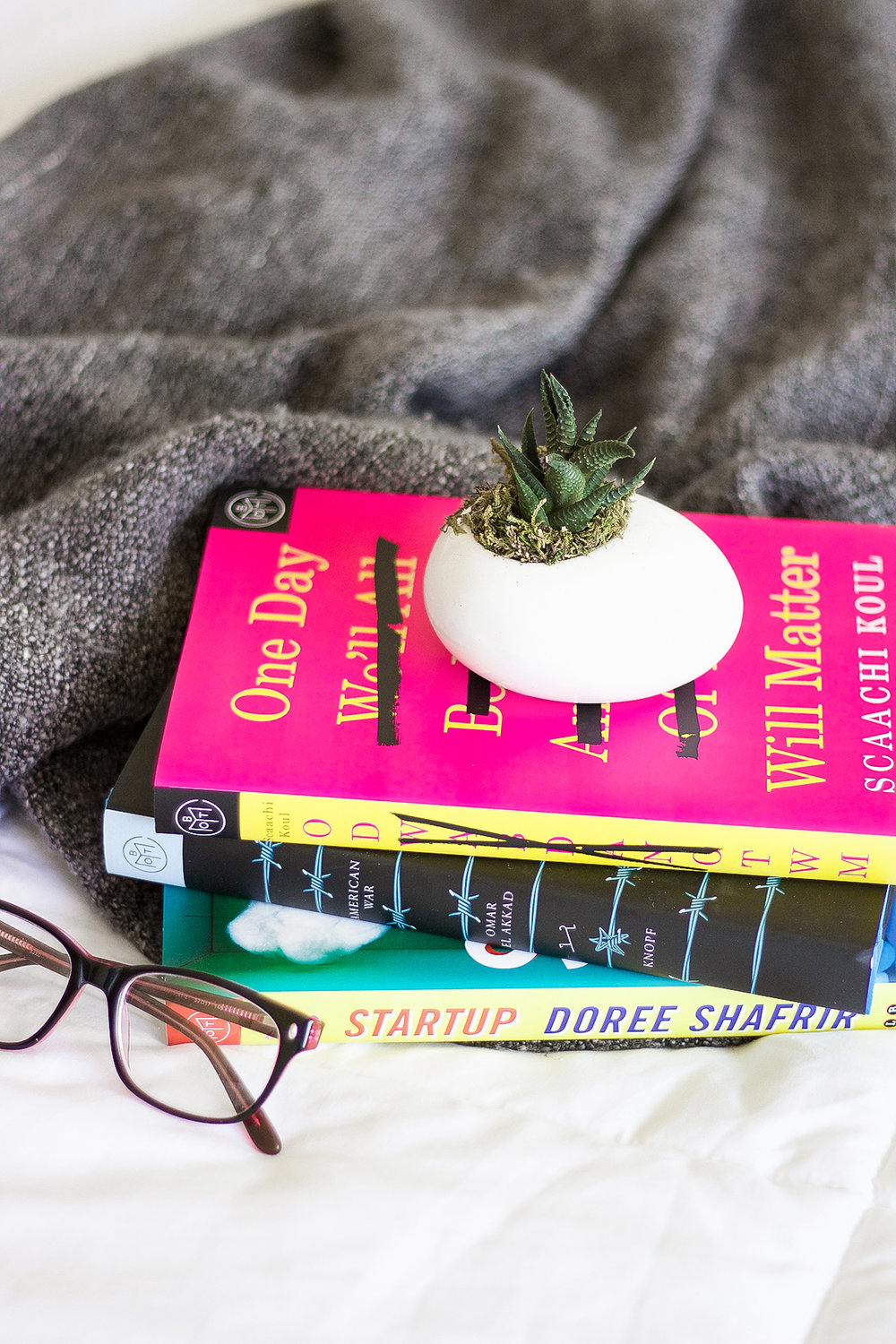 Easy Ways To Find New Reads This Season | A Girl, Obsessed