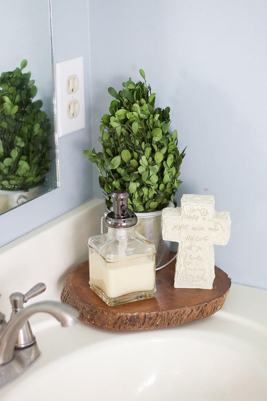 A Summer Bathroom Refresh | A Girl, Obsessed