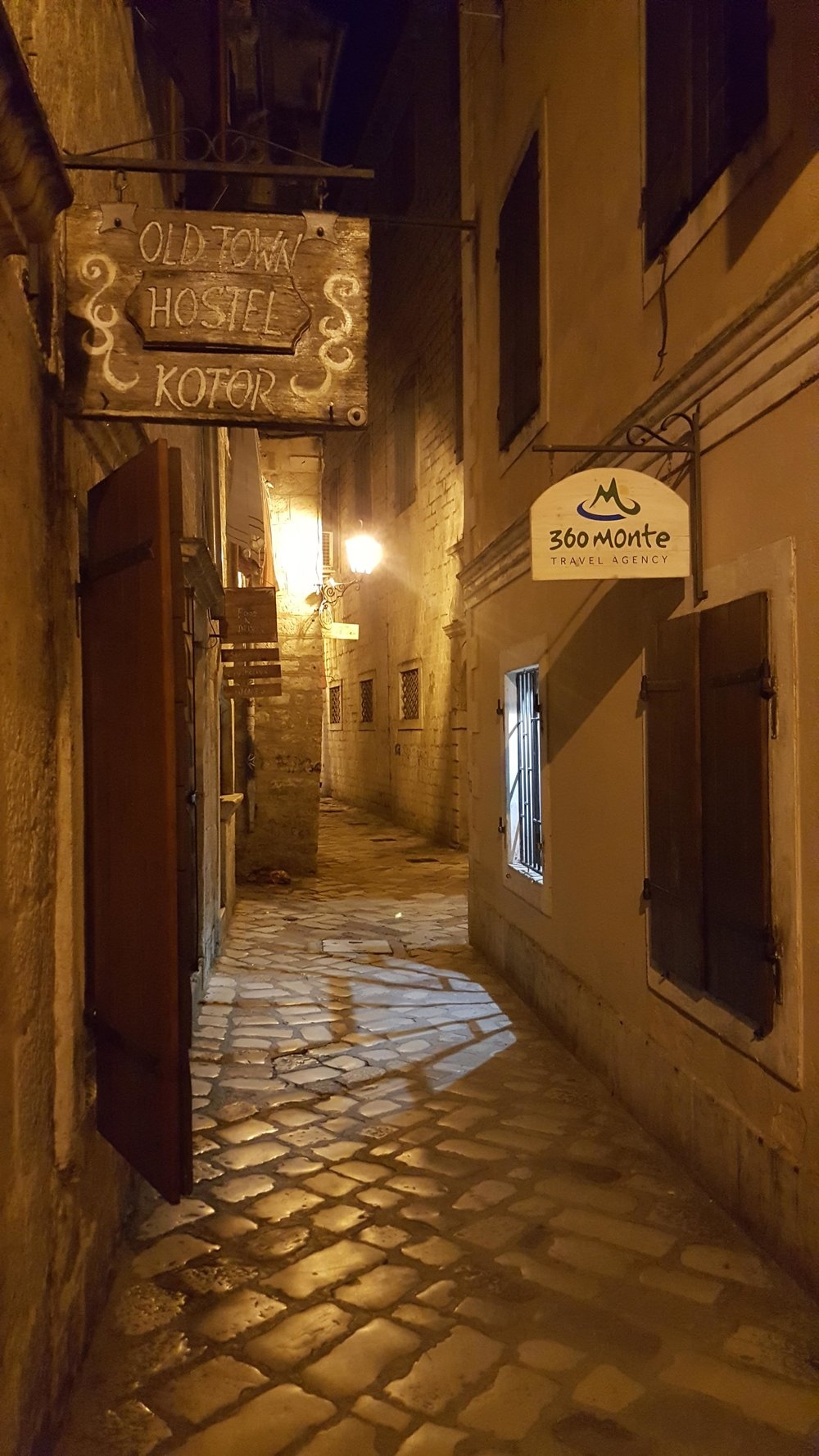 hostel-old-town-kotor