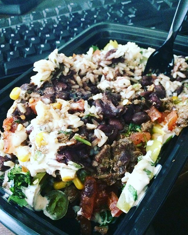 Our burrito bowl though 🙌🏽 #mealprep #meal #mealprepsunday #mealplan #food #foodporn #fitness #healthyfood #lowfat #burritobowl #steak #bodybuilding