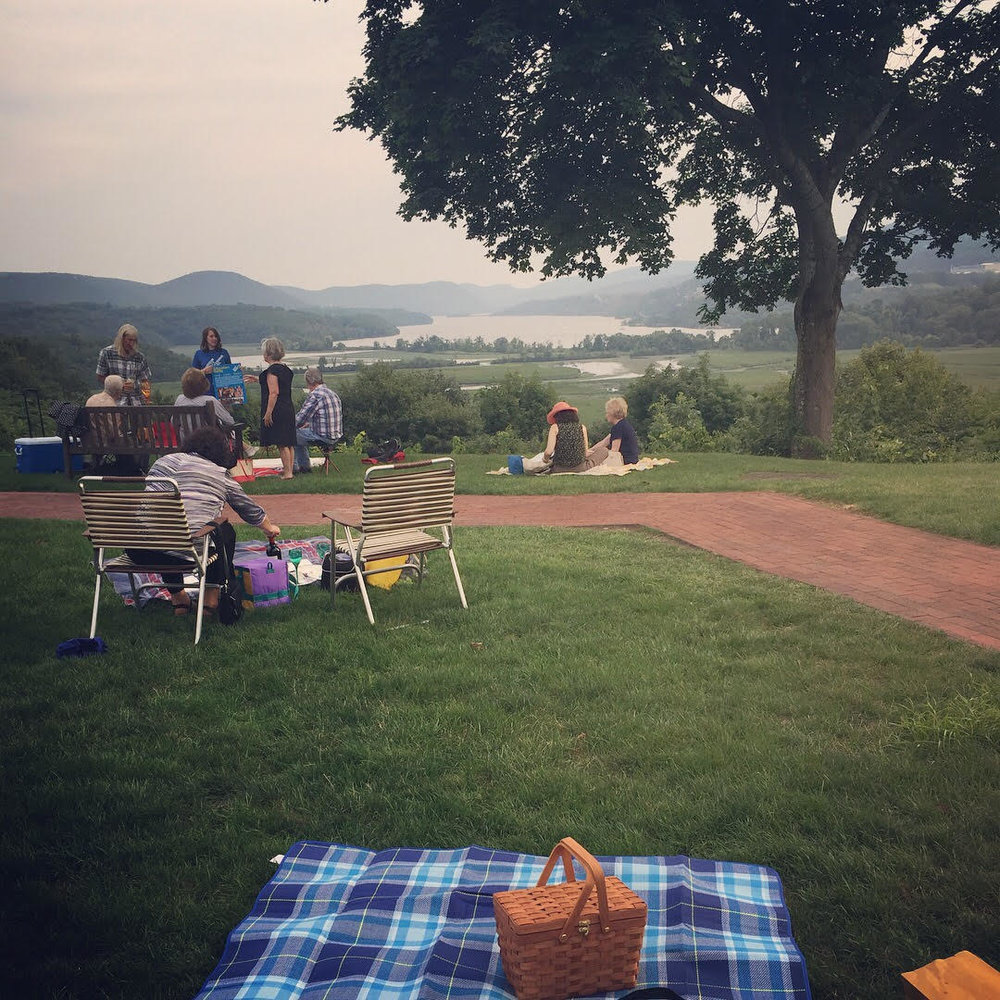 Picnicking at the Hudson Valley Shakespeare Festival before the performance.