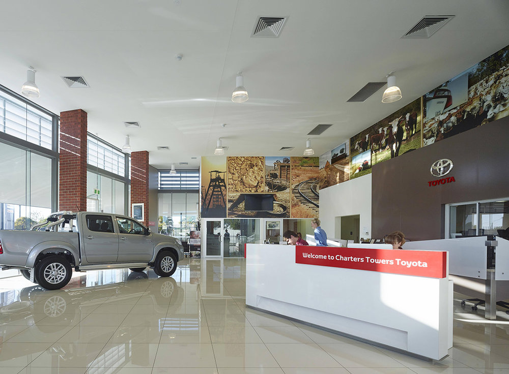 Guymer-bailey-architects-Toyota-Charters-Towers_05.jpg