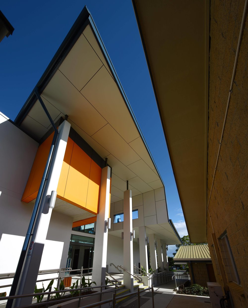 Caloundra-College-Library-Guymer-Bailey-Architects-03.jpg