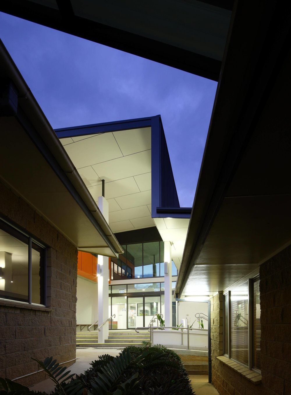 Caloundra-College-Library-Guymer-Bailey-Architects-05.jpg