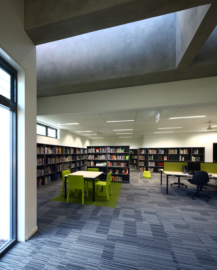 Caloundra-College-Library-Guymer-Bailey-Architects-08.JPG