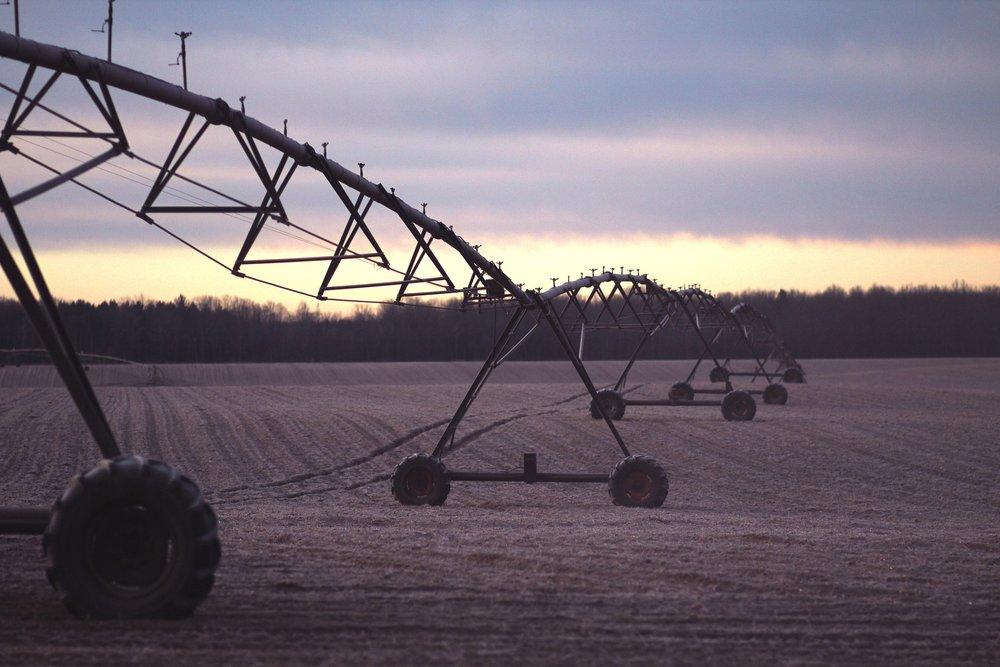 irrigation-1210072_1920.jpg