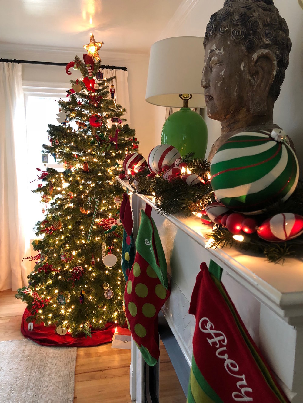 Alison Giese Interiors Holiday vignette 2.jpg