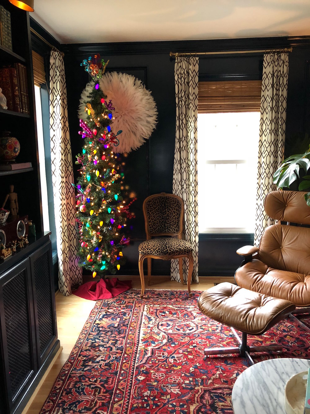 Alison Giese Interiors holiday blue room.jpg