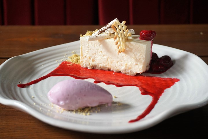 Cheesecake with Sour Cherry Coulis