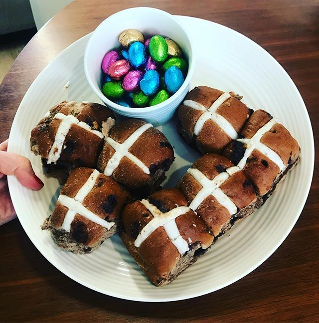 Brickfields studios wishes everyone a happy E•A•S•T•E•R full of sweet treats! • • • • #easter #hotcrossbuns #chocolate #coworkingspace #smallbusiness #brickfieldsstudios #chippendale