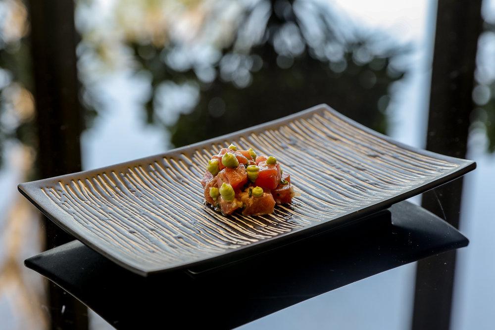 1._Tartare_di_Tonno_-_Sushi_grade_tuna_tartare,_sesame_seeds,_avocado[1].jpg