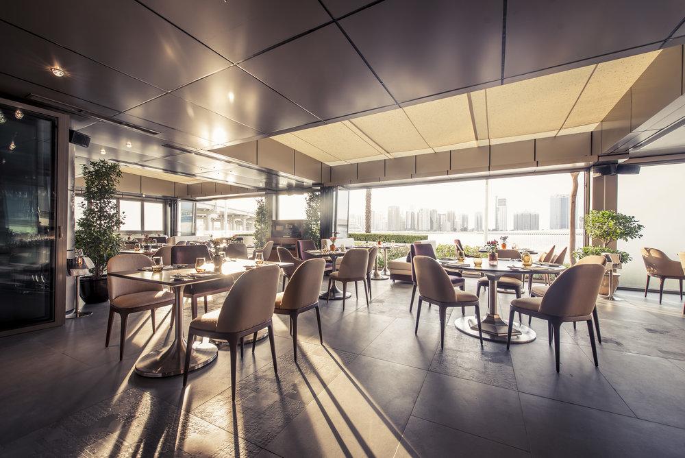 29._Roberto's_Abu_Dhabi_Restaurant_Terrace[1].jpg