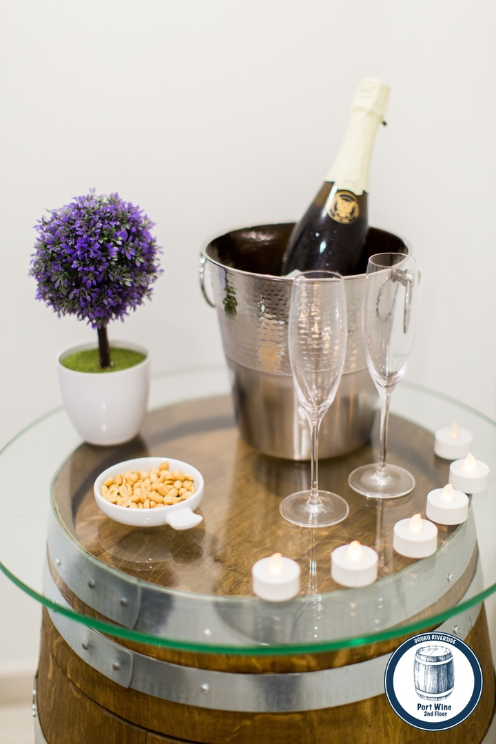 23. Douro Riverside - Port Wine (Welcome Kit).jpg