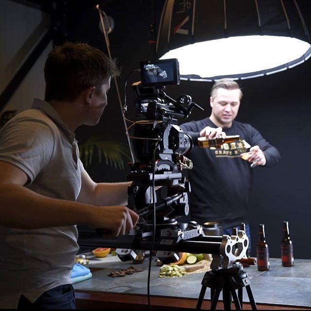 Vandaag draaien wij de nieuwe commercial van @eggenscraftbeer ! Cheers 🍻
