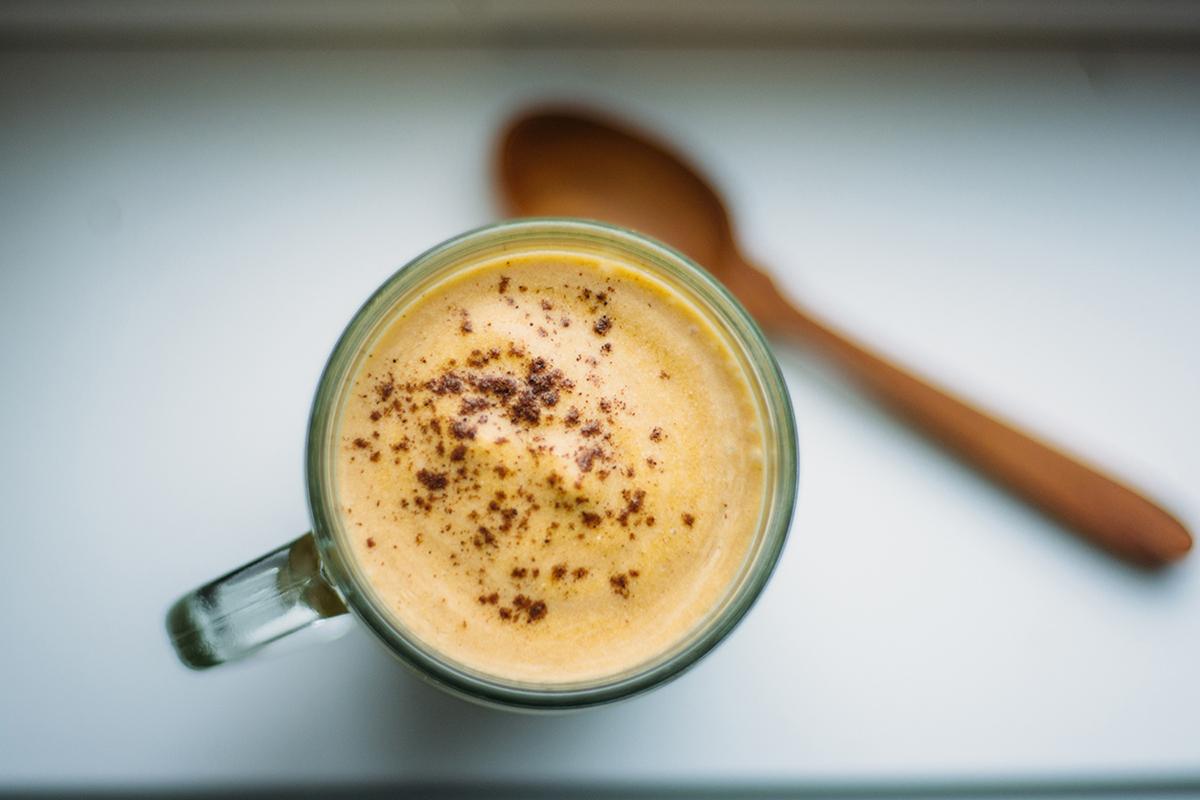 pumpkin spice milkshake (AIP/Paleo)