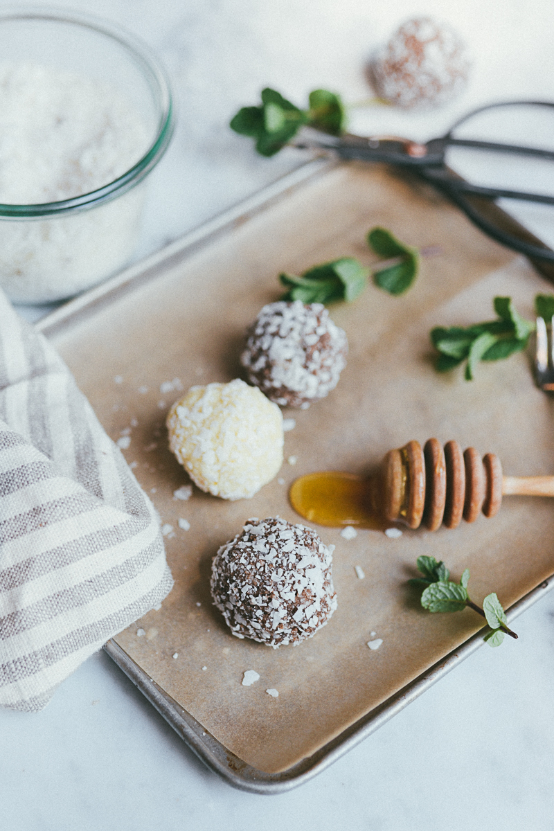 2 RECIPES IN 1: CAROB MINT & ORANGE DREAMSICLE BLISS BALLS » itsmecharlotte.com