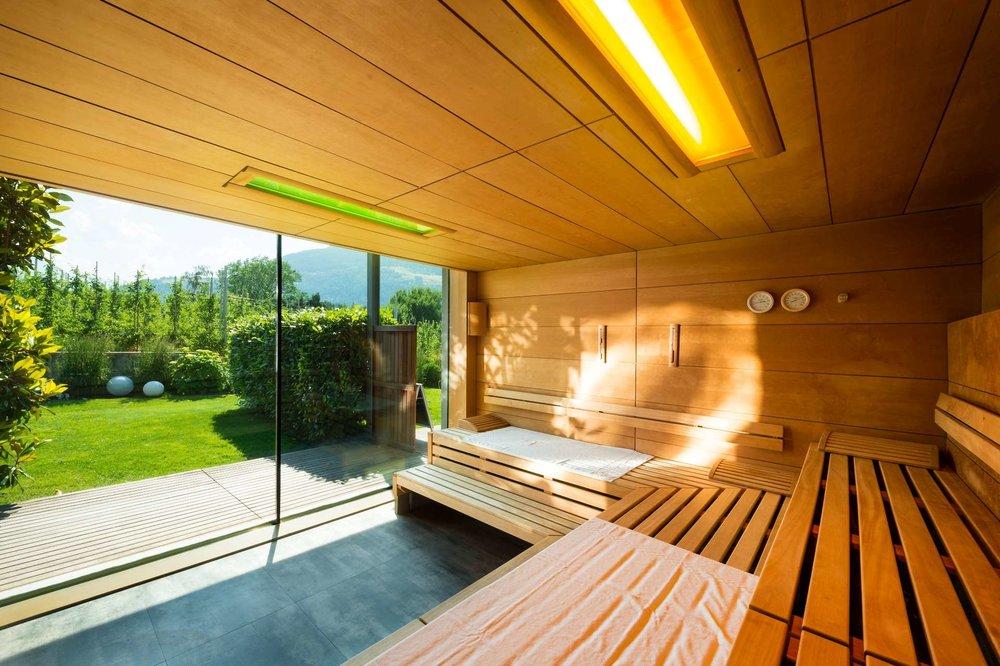 design-hotel-tyrol-panorama-sauna.jpg