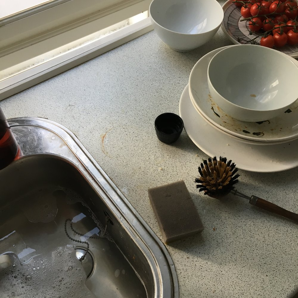 I had to stop washing up to admire the light in the kitchen and suddenly I thought the dirty dishes looked beautiful!