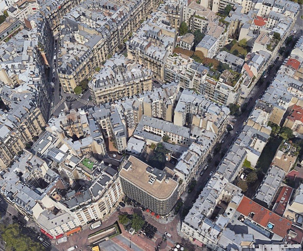 Neuilly_Rue Madeleine Michelis at Marche.jpg