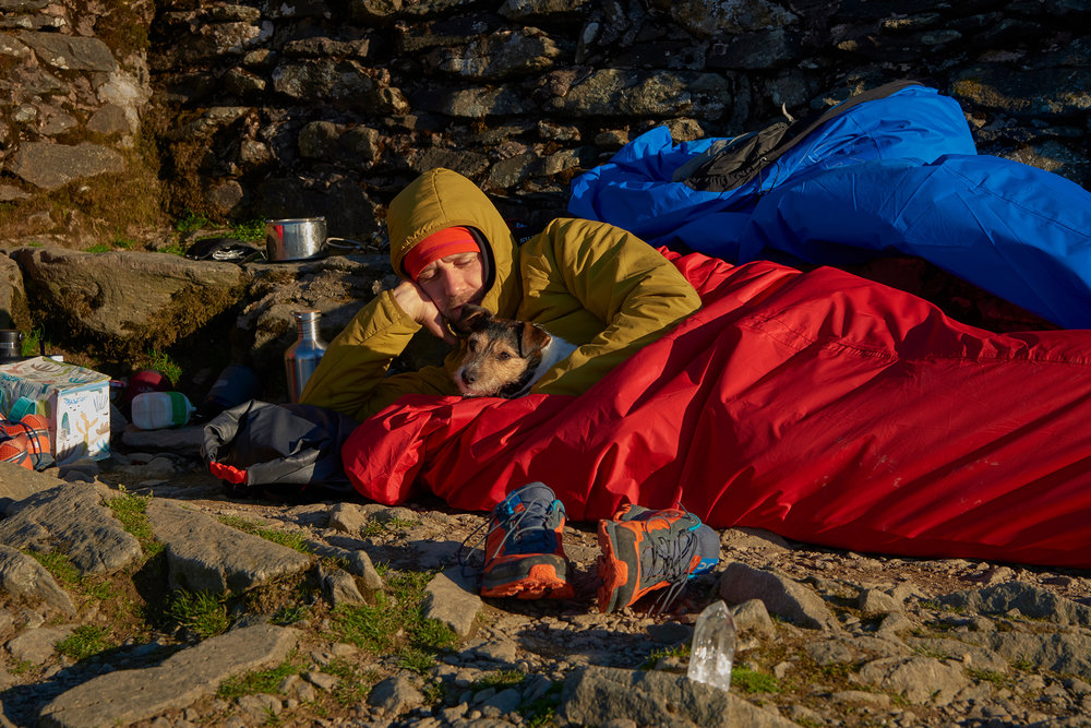 ALPKIT Hunka XL Bivi: Big enough for 1 man, 1 Jack Russell, sleeping bag and mat.