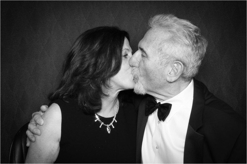 kiss 2.jpeg