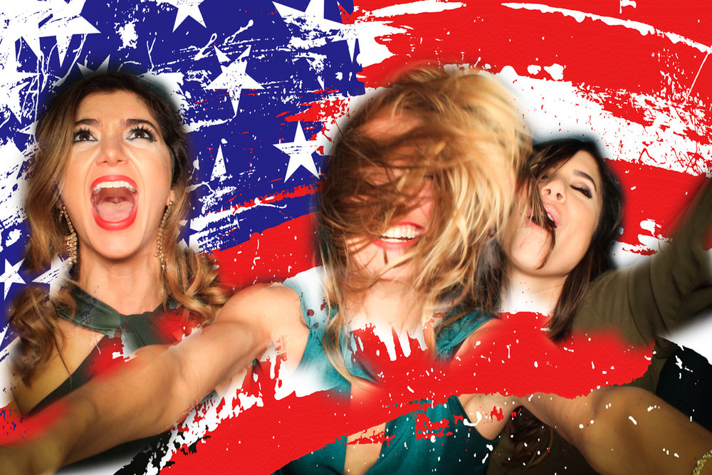 Your friends at Lucky Photo Booth hope y'all have a rockin 4th of July!