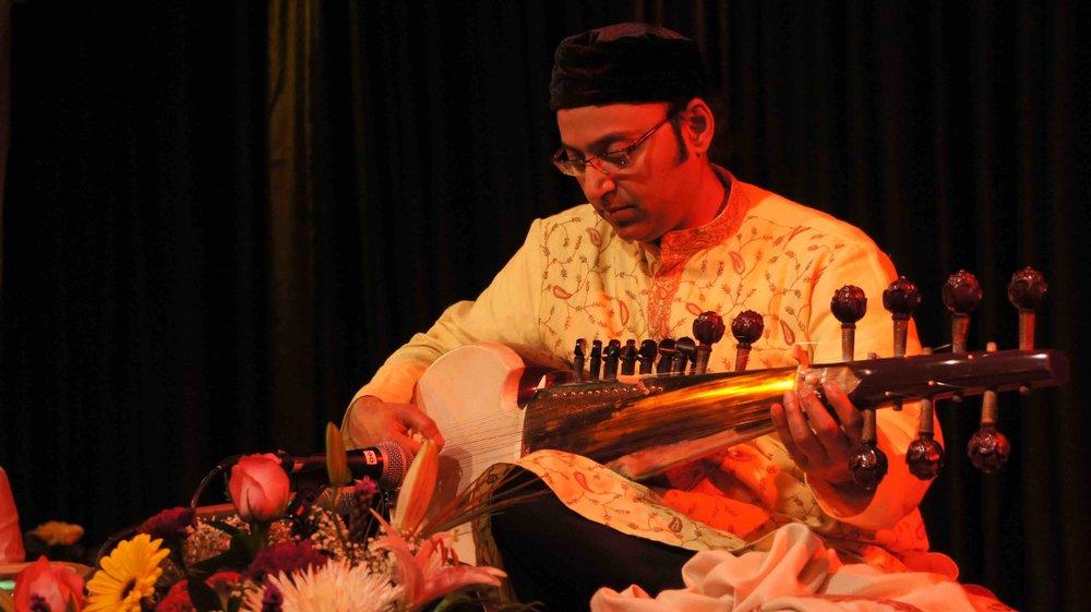 TMR Ustad Wujahat Khan 2012.jpg