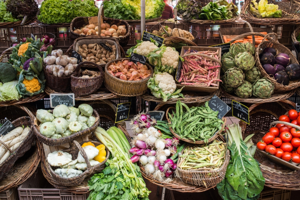 colorful fruit vegetables market beaune dordogne.jpg