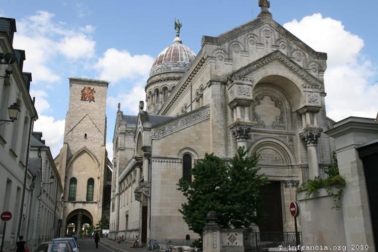 tours_basilique_saintmartin_8757.jpg