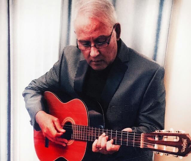 Daniel Carlos - Argentina Singer, Guitarist, Troubadour, Bolerista