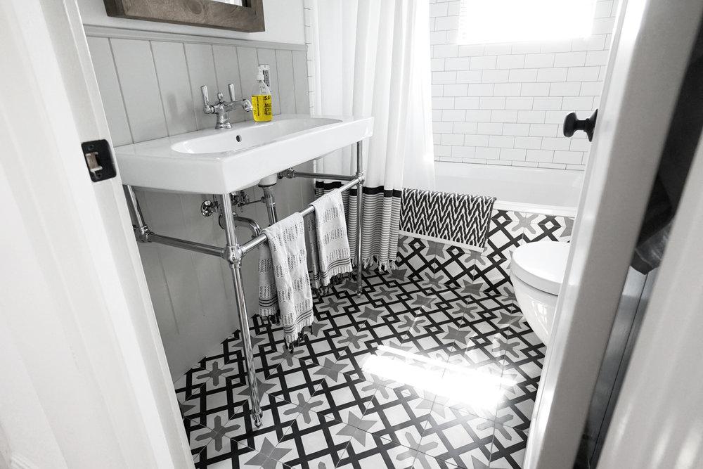 Bathroom_retouched_1.jpg