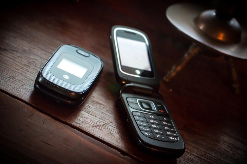 flip phones-1