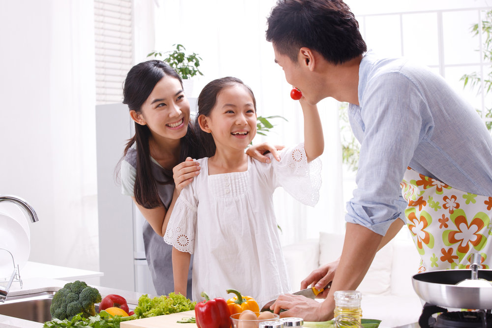 Family-cooking-together | cooking-with-kids | fun-family-bonding-time | Nomster Chef